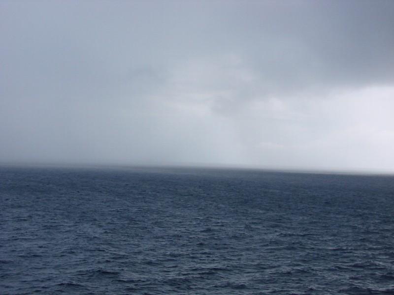wyraźnie widać nadciągający sztorm, a jeśli nie widać, nzaczy, że już nadszedł